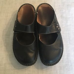 Finn Comfort Womens slide in shoes